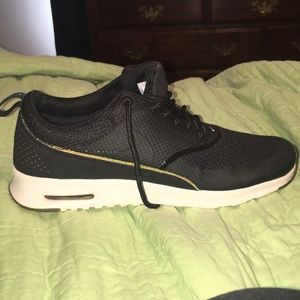 Women's Nike Air Max size: 8.5